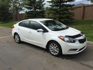 LOW KMS- 2015 Kia Forte- Still on Warranty