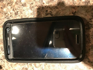 Samsung S4 in great condition! Comes with a black otter box case