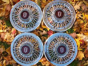 Ford-Wheel Covers -  Classic Hubcaps - Enjoliveurs Classiques
