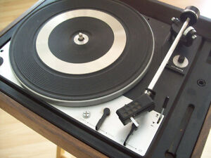 Vintage Dual 1225 Turntable w/ Dustcover