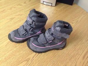 Keen winter boots; girls size 1; velcro; excellent condition Peterborough Peterborough Area image 2