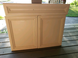 Cabinet doors & pull out trays vanity