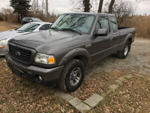 2009 Ford Ranger - Extended cab - 4.0L engine !