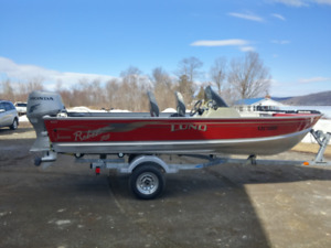 16 1/2 Foot LUND BASS BOAT