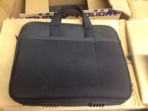 WHOLESALE LOT OF LAPTOP BAGS, BACKPACKS, CAMERA BAGS & MUCH MORE Windsor Region Ontario image 4