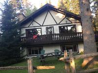 Chambre meublée à louer dans chalet suisse ds village Val-David