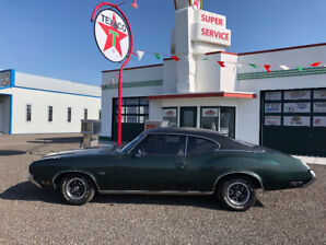 "1972 Oldsmobile Cutlass ""Head turner and runs great!"""