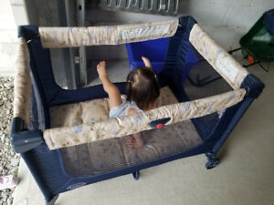 Great condition Play pen / Play yard for baby and toddler