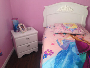 Diamond bed excellent condition like new Windsor Region Ontario image 2
