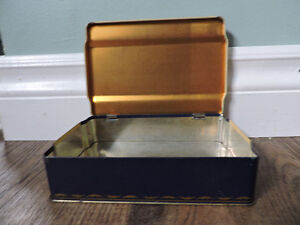 Player's Cigarette Tin to commemorate Queen's Coronation 1953 Kitchener / Waterloo Kitchener Area image 3