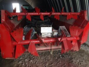 For sale. Case IH 1580 Manure speader, like new. Tandem.