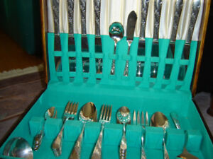 55 piece silver plated Vintage cutlery set by ONEIDA Community,