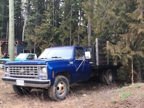 1978 Chevy 1 ton 2800$ reduced price