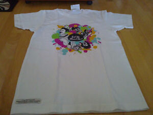Unisex graphics white t-short crewneck Brand new with tags London Ontario image 2