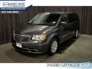 2016 Chrysler Town & Country Touring  Bluetooth, Cruise Control