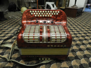 ACCORDION HOHNER CLUB III M HARMONIKA DIATONIC