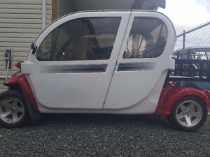 2011 Gem Electric Car Low Speed Vehicle (LSV)