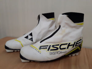 5 Pairs Like New Fischer Boots