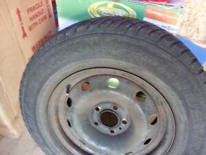 205 70 R15 pneus d'hiver sur rims