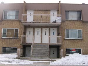 Appartement 4 1/2 à louer dès maintenant.