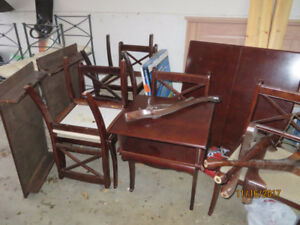 Bombay Dining Room Set - expandable table and 6 chairs $200