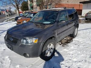 2006 Ford Escape XLT FWD, LOW MILEAGE