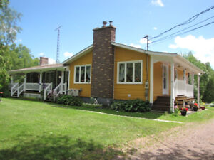 Cap-Pele Bed and Breakfast Quiet setting five minutes from Beach