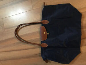 Longchamp navy medium tote brand new condotion