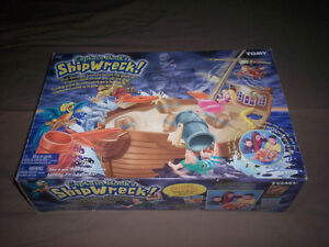 """""""CAPTAIN HOOK'S SHIPWRECK"""" Game by """"TOMY"""" COMPLETE - SUPER SHAPE"""