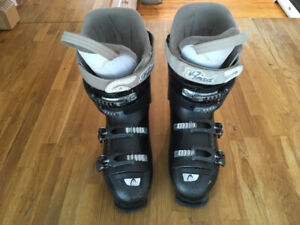 Ski Boots Head Next Edge Women's size 10.5