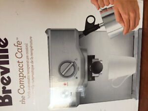 BREVILLE. Coffee/Expresso,with Hot Milk Frother