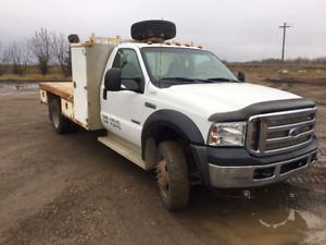 2006 White F-550 Truck and Deck
