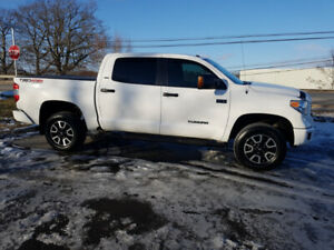 MINT.....2016 Toyota Tundra Crew TRD.......Only 18,500 km's.....
