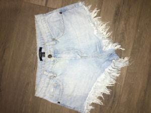 Light wash jean short