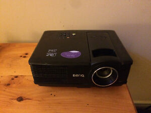 GREAT DEAL!! Like new, Ben Q projector