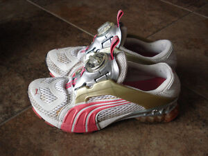 Puma Cell Disc Running Shoes size 6 women or size 4 youth