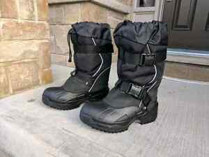 Men Size 11 Baffin Impact Boots  Kitchener / Waterloo Kitchener Area image 2