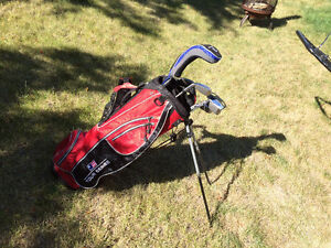 Mint condition junior golf set right handed