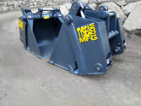 BUCKETS, RIPPERS, STUMPERS, MOUNDING RAKES ETC RENTALS & SALES