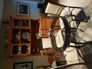 EXCELLENT COND. ROUND GLASS TABLE & 4 CHAIRS