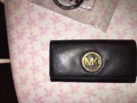 Michael Kors genuine purse reduced was £35