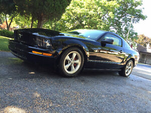 2005 Ford Mustang Prem Coupe (2 door)