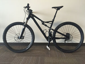 2016 Specialized Camber 29 c/w Command Post
