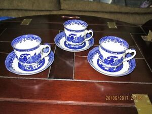 Blue Willow Cups & Saucers