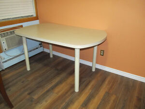dining table without chair Peterborough Peterborough Area image 2