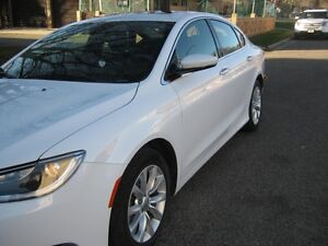 Show Room Condition: 2015 Chrysler 200C