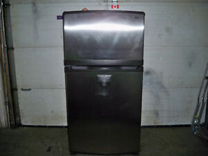 NEWER KENMORE STAINLESS FRIDGE GREAT SHAPE!!!!!!!!!!!!!!