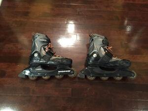 Roller blades/ patins à roulettes