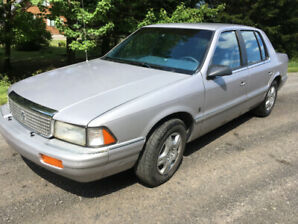1991 Plymouth Acclaim. 3.0L ***93000km***