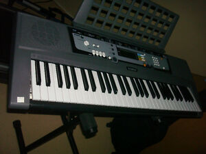 New digital Yamaha keyboard EZ200,